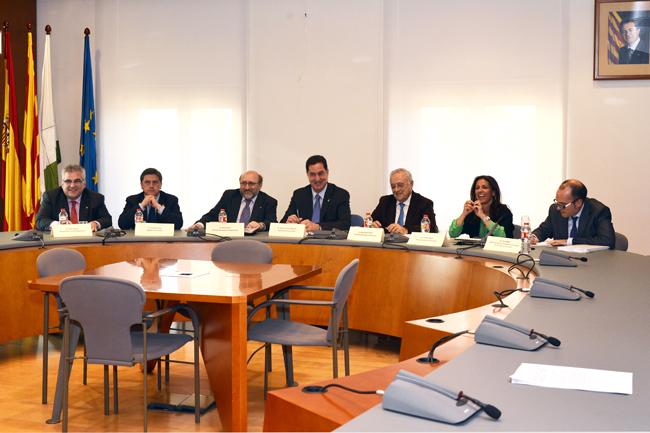 Los asistentes al acto de presentación del nuevo Plan operativo para la reconversión turística de Lloret de Mar