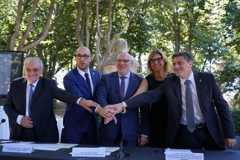 La Generalitat, l'Ajuntament de Lloret de Mar, el Patronat de Turisme de la Diputació de Girona i la Mesa Empresarial es comprometen a finançar diverses actuacions per a la reconversió turística del municipi